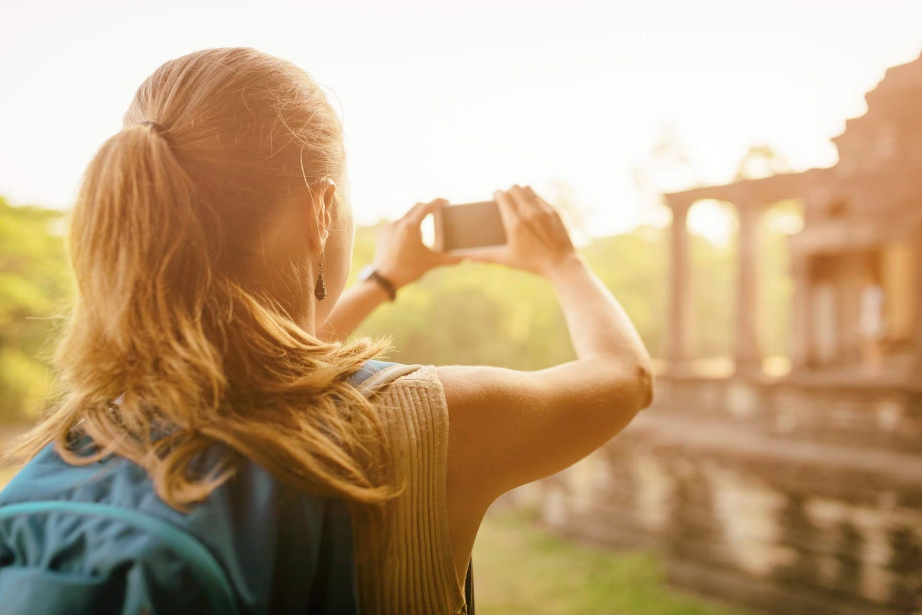 taking pictures with smartphone
